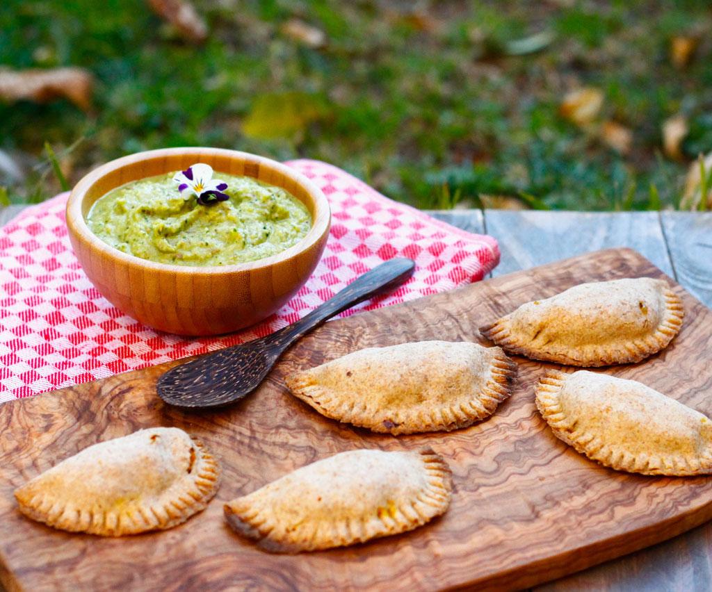 Empanadas de Calabaza con Romesco Verde